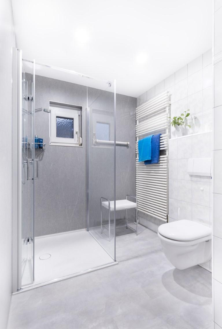 ᐅ Fugenloses Bad   fugenlose Dusche von InnSAN   HIER KLICKEN